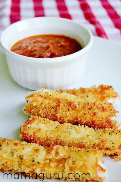 Copy Cat Recipe: Homemade Fried Mozzarella Sticks with Marinara