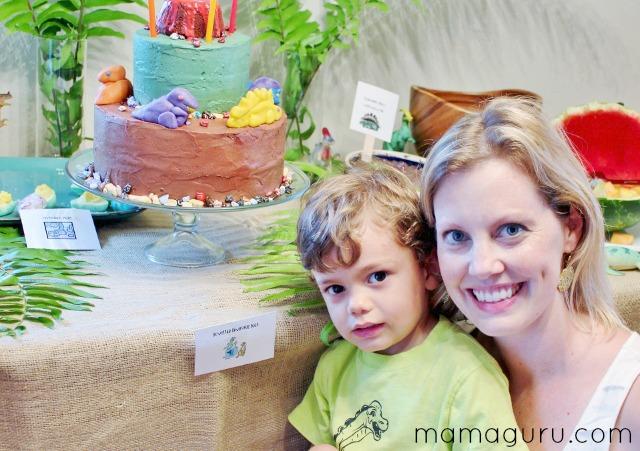 Dinosaur Birthday Cake with Mamaguru