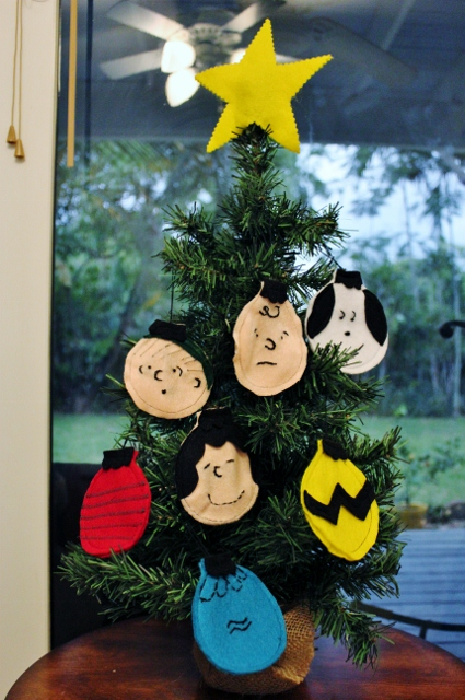 charlie brown felt christmas ornaments without overthinking - Charlie Brown Christmas Decorations