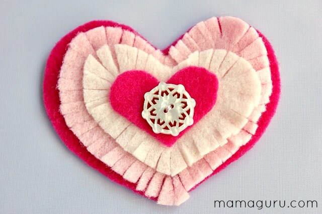 Easy DIY Valentine\'s Day Wreath- So Charming! - Mamaguru
